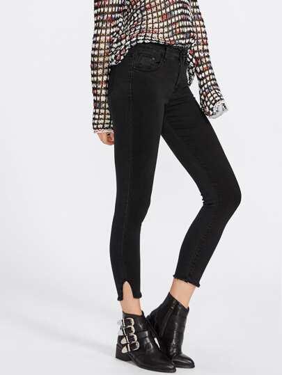 Ungesäumte Skinny Jeans mit Cut Out