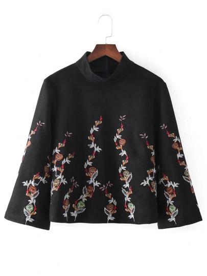 Top de cuello mock con bordado de flor