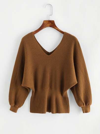 Suéter escote V de espalda con abertura