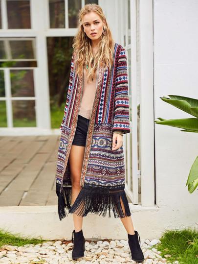 Pull long tricoté tribal avec garniture de frange