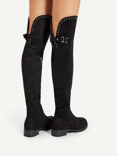 Botas por encima de la rodilla con hebilla en la parte trasera