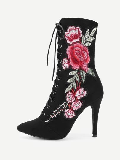 Botas de tacón alto con aplicación de rosa
