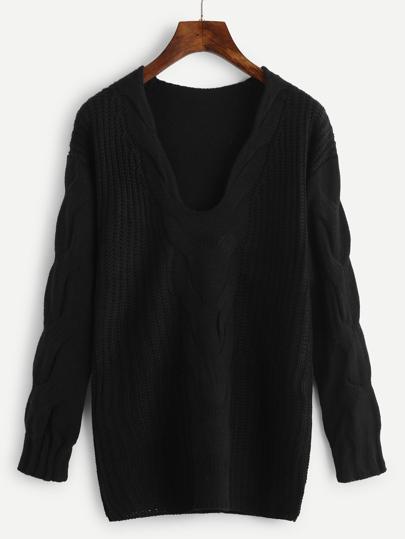 Pull en tricot à câble avec la chute de l\'épaule