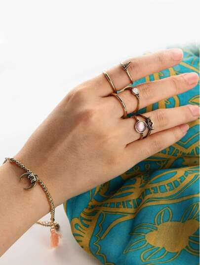 Moon Detail Chain Bracelet & Ring Set