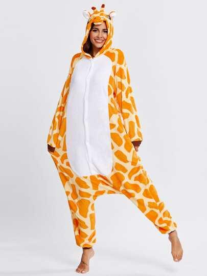 Mono de pijama con diseño jirafa de entrepierna caída