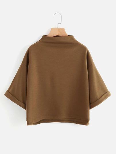 Tee-shirt col montant asymétrique avec des replis