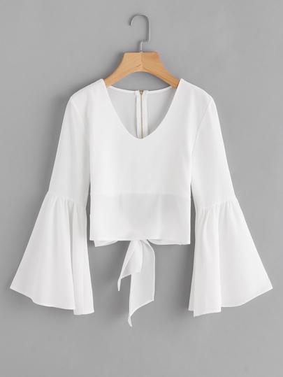 Bluse mit ausgestellten Ärmeln und Schleife hinten