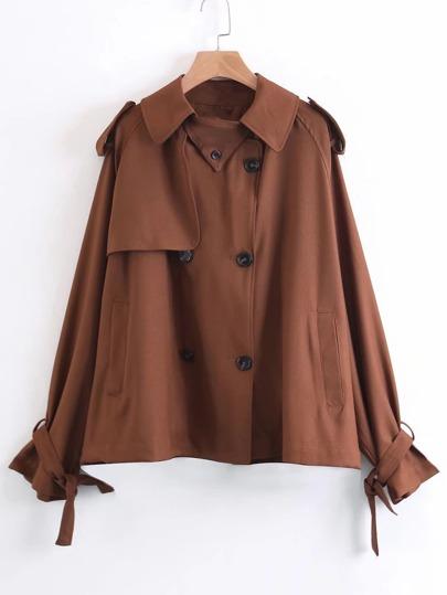 Manteau court avec lacets