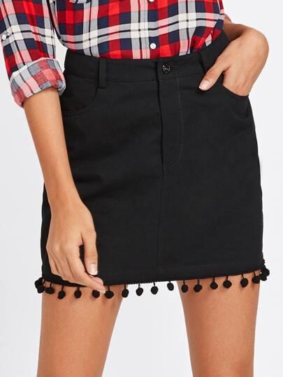 Falda con ribete de pompones en denim