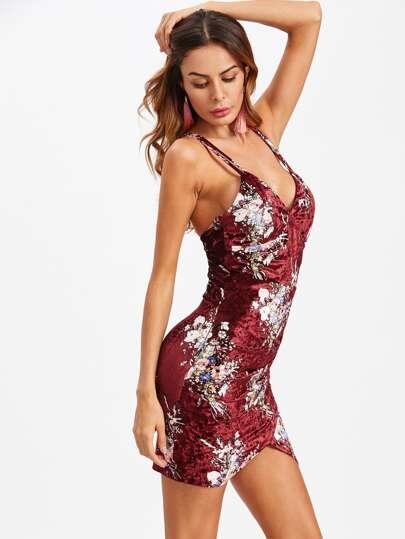 Vestido floral fruncido de terciopelo