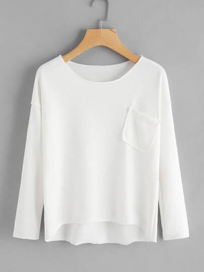 Pull tricoté avec poche avec la chute de l\'épaule
