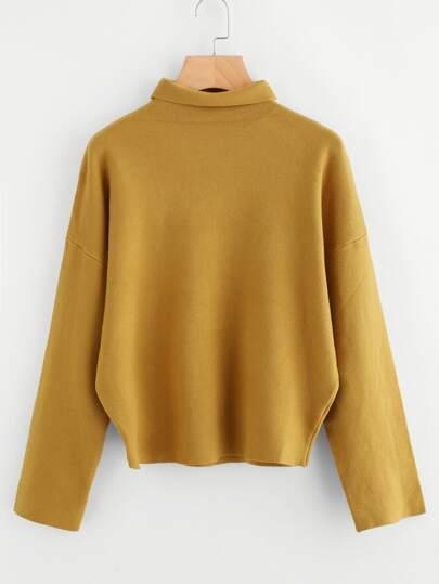 Pull col relevé en tricot souple avec la chute de l\'épaule