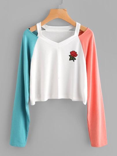 Camiseta con aberturas y manga en contraste