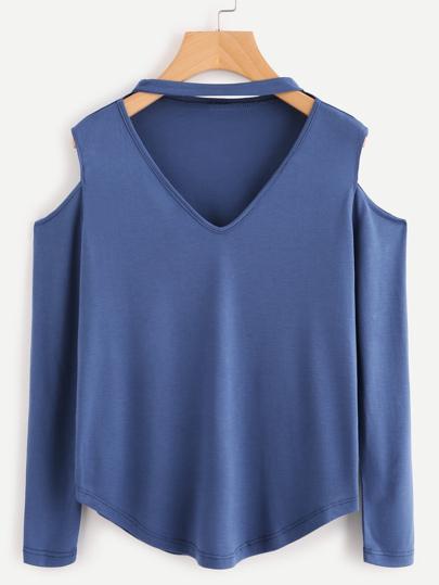 Camiseta con cuello de tipo choker de hombro descubierto con bajo redondo