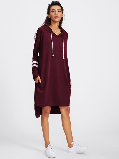 Hoodie Kleid mit Streifen und abfallendem Saum