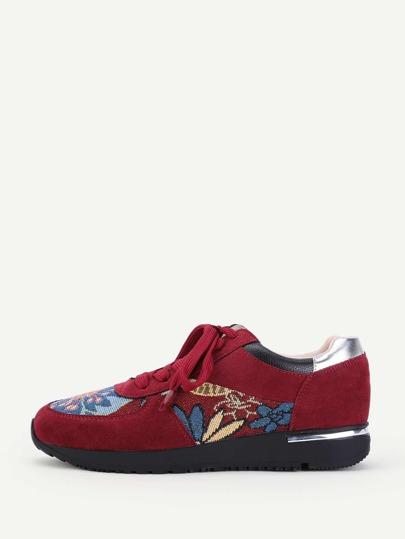 Zapatos con flor y cordón