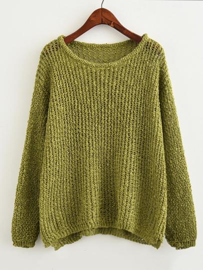Pull en tricot avec la chute de l\'épaule