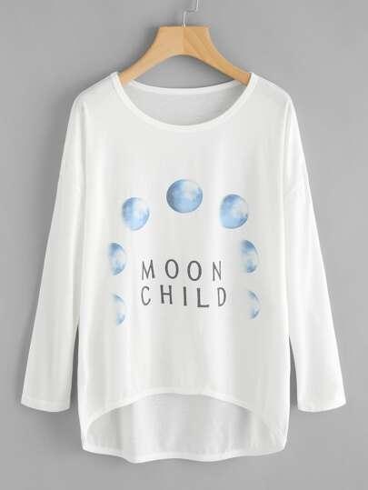 T-Shirt mit Mondmuster und abfallendem Saum