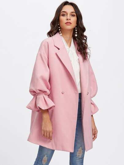 Модная куртка с оборкой и бусинами