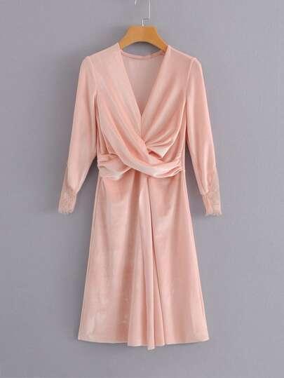 Vestido de terciopelo de encaje