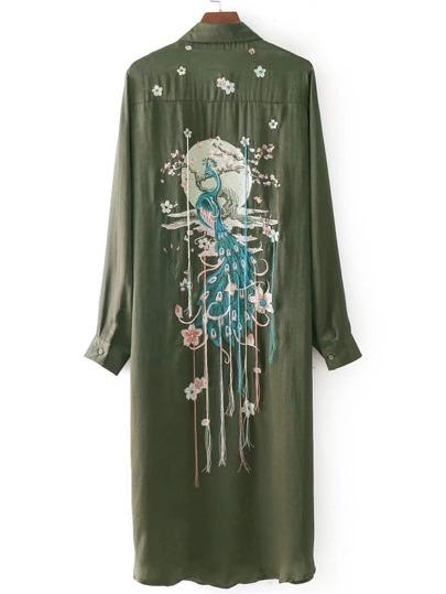 Vestido camisero con fleco y bordado de pavo real