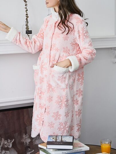 Contrast Trim Snowflake Pattern Plush Nightdress