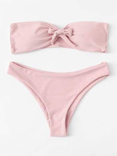 Conjunto bikini con nudo