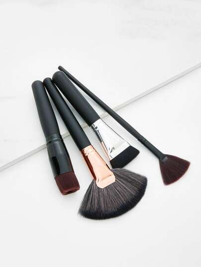 Fan Shaped Makeup Brush 4pcs