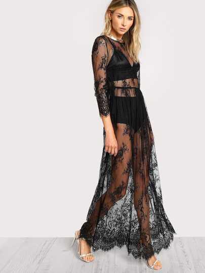 Kleid mit Knöpfen, Schlitz hinten und Blumen Spitzen