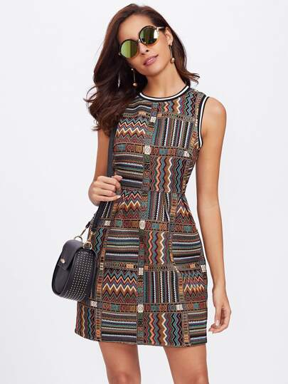 Robe brodé tribal rayure