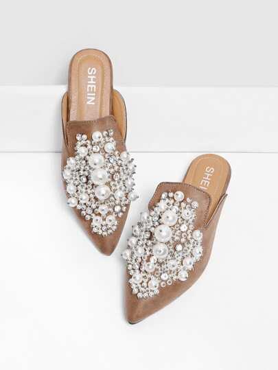 Chinelas planas con adorno de perla de imitación