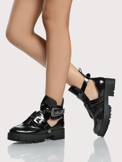 Side Cut Out Buckle Boots BLACK