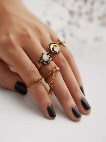 Multi Shaped Ring Set 4pcs