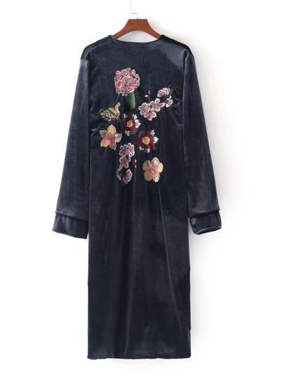Kimono brodé des fleurs en velours