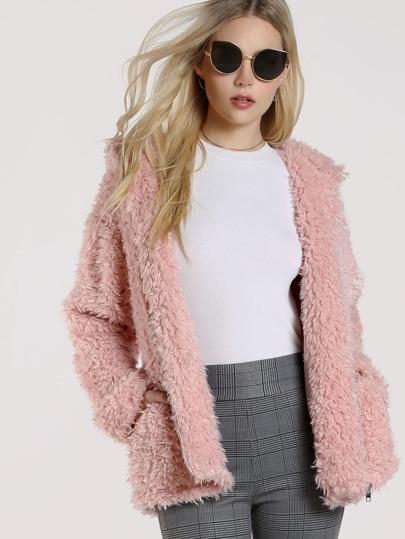 Модная пушистая куртка