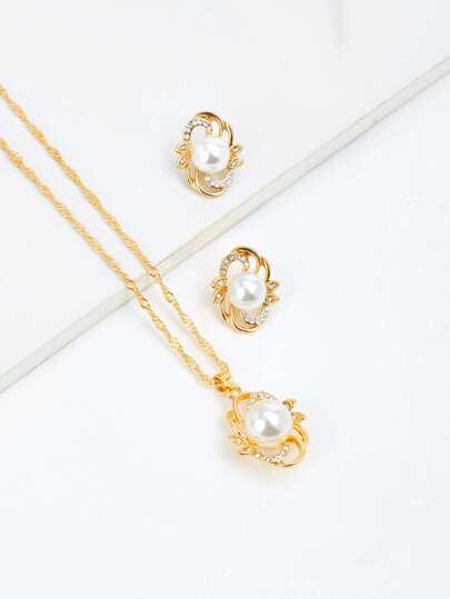 Pendant Chain Necklace & Earrings With Jewelry
