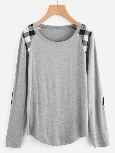Camiseta con parche al codo y manga raglán
