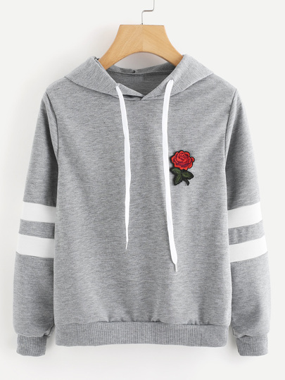 Hoodie mit Rose Flicken und Streifen auf den Ärmeln