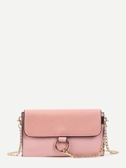 Kettentasche mit Piping Detail und Ring vorn