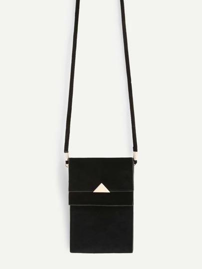 Bolso PVC con detalle de triángulo metálico