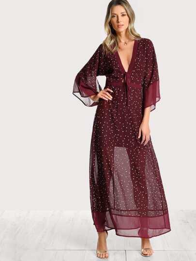 Kimono Kleid mit Sternmuster, Schlitz hinten und V Ausschnitt