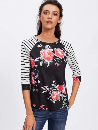 Camiseta floral con manga raglán de rayas