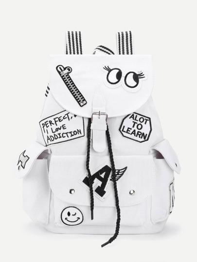 Rucksack mit Buchstabenmuster und Träger mit Streifen