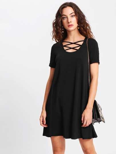 T-Shirt Kleid mit Kreuzgurte vorn