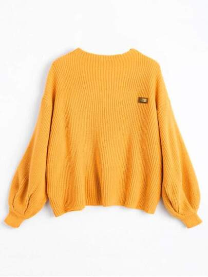 Übergroßer Pullover mit sehr tief angesetzter Schulterpartie
