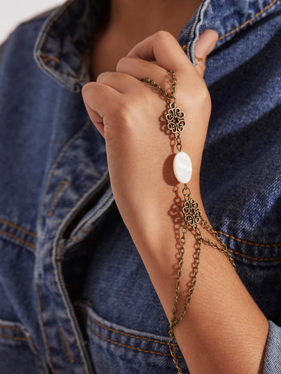 Beaded Cutout Hand Chain