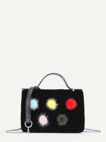 Модная сумка на цепочке с помпонами