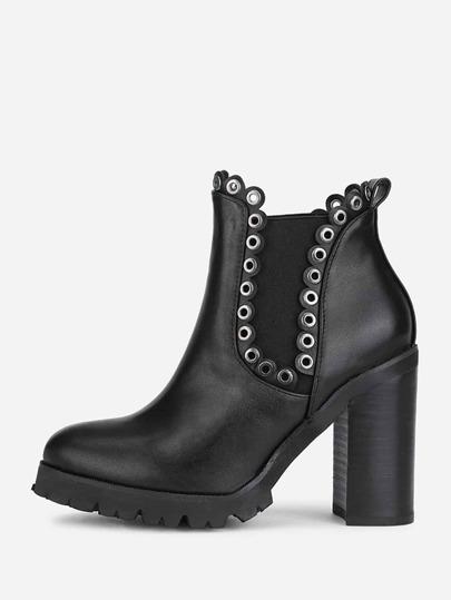 Stiefel mit Tülle und Block Heeled