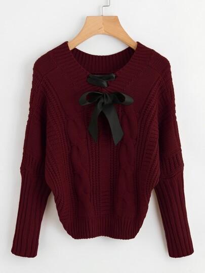 Pull à lacets en tricot à câble