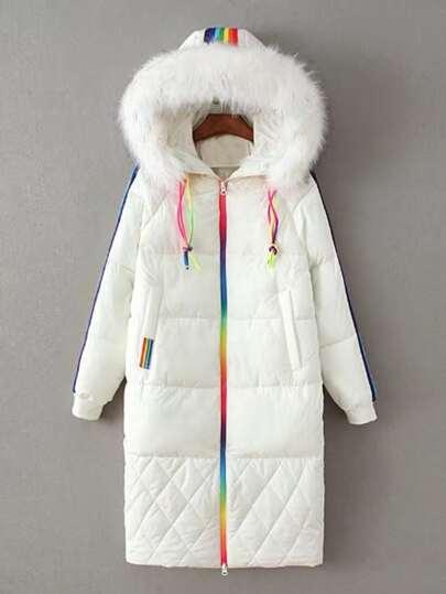 Abrigo guateado largo de capucha a rayas